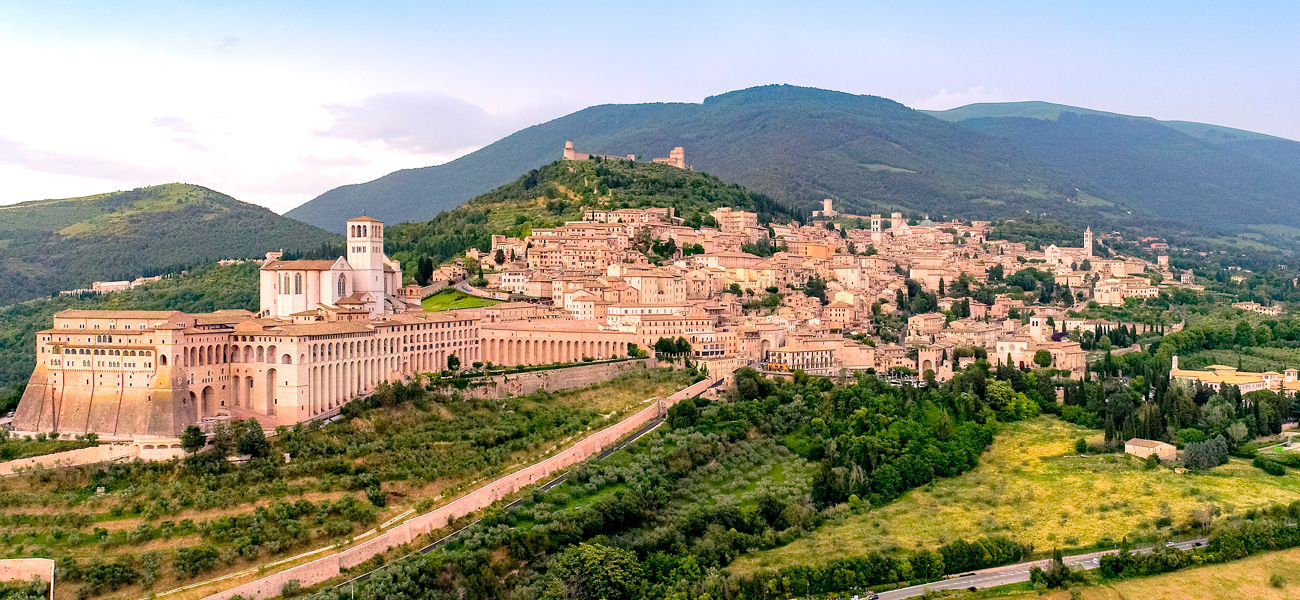 http://www.keytoitaly.tours/images/itineraries/cultural/discover-assisi-st-francis-lazio-umbria-italy-tours.jpg