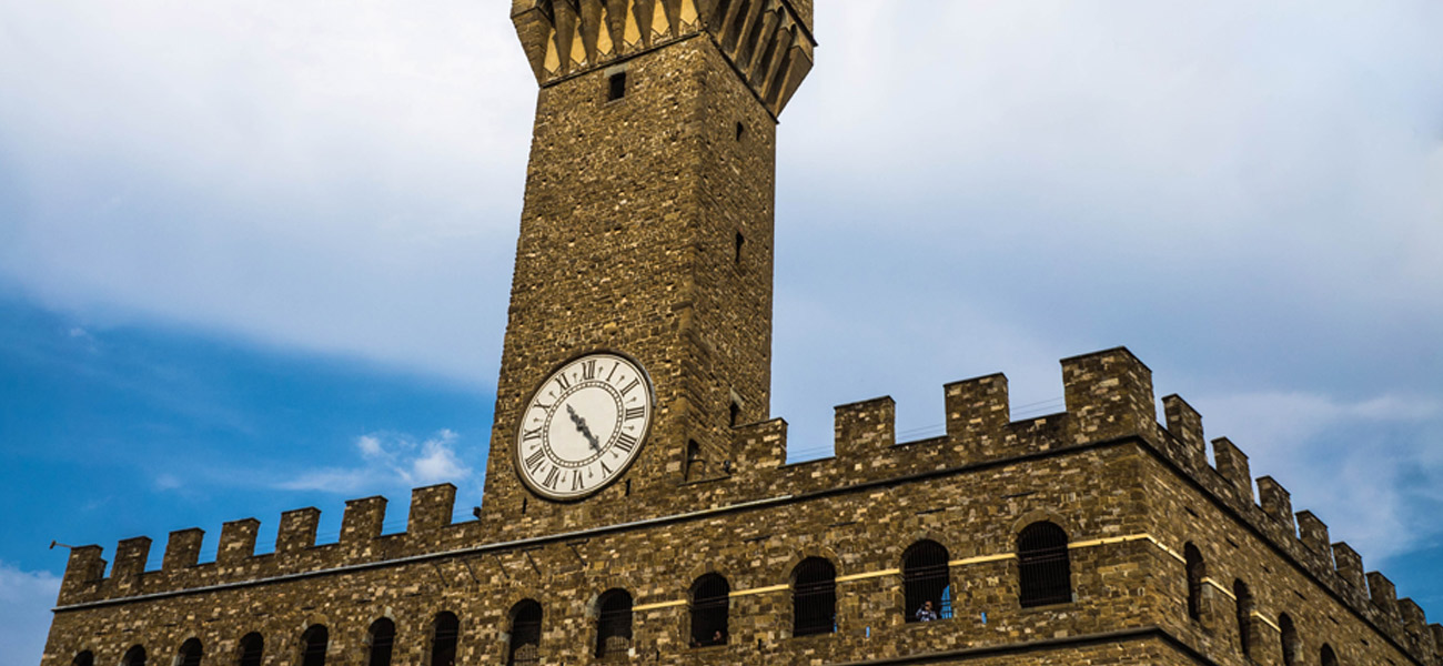 http://www.keytoitaly.tours/images/itineraries/medieval-life-and-castles/uffizi-tower-art-history-a-glass-of-wine.jpg