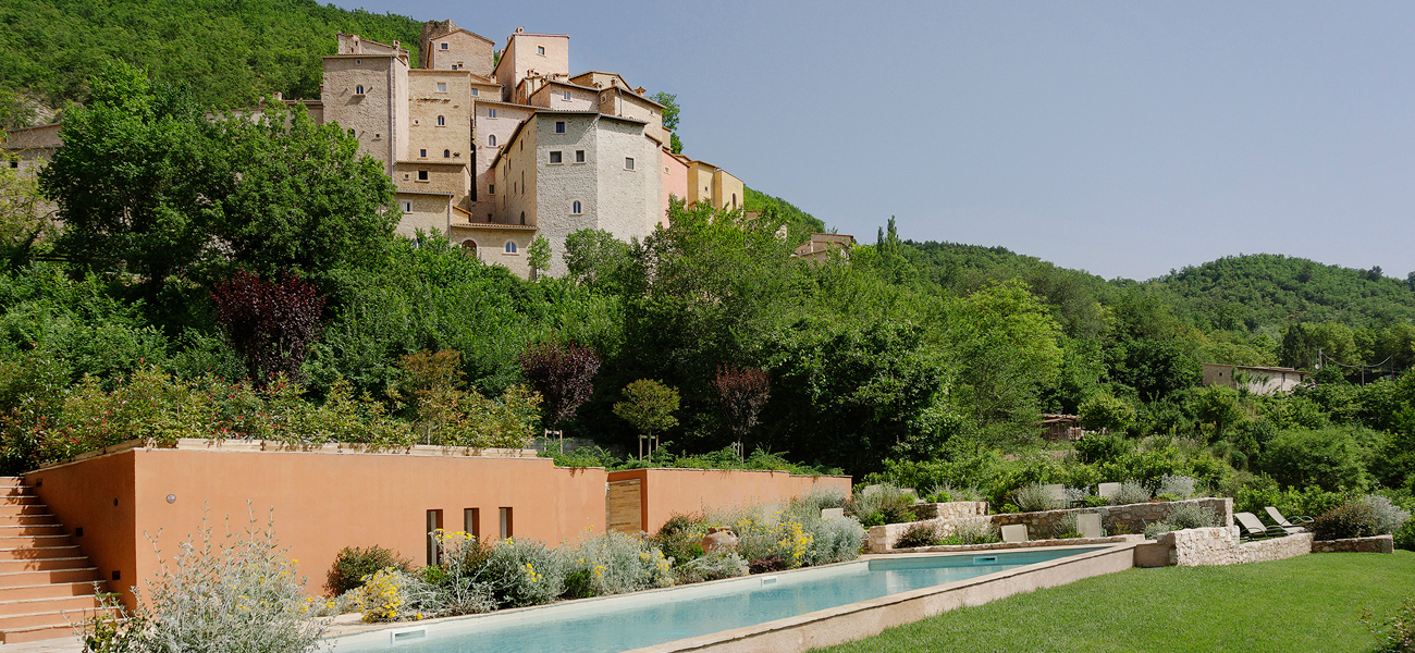 http://www.keytoitaly.tours/images/wedding-in-italy/pearl/wedding-in-a-medieval-hamlet-in-umbria-italy.jpg